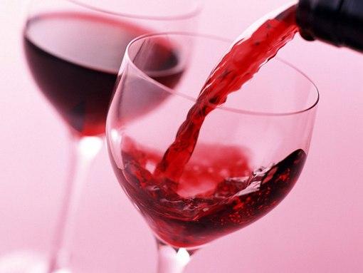 Rượu vang đỏ ngâm hành tây chữa bệnh xương khớp