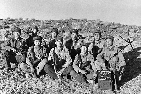 Toán lính Trung Quốc tham gia vụ xung đột vùng hồ Zhalanashkol, 1969.