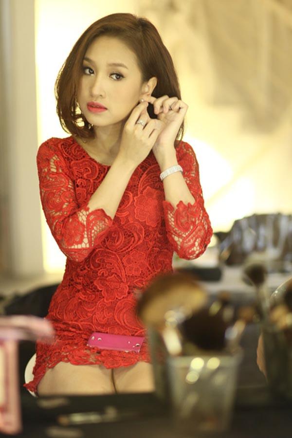 Mỗi lần tham gia sự kiện, Thanh Vân thường chuộng những bộ đồ bó sát để khoe đường cong của cơ thể.