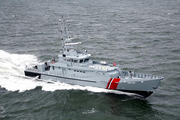 Tàu tuần tra cao tốc Metal Shark 140 Defiant được đóng dựa trên mẫu tàu Damen Stan Patrol 4207.