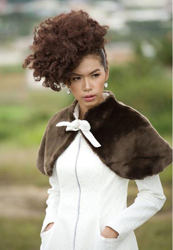 Năm 2011, Minh Tú tham gia cuộc thi Siêu mẫu Việt Nam và trở thành ứng cử viên sáng giá ngay ở vòng loại.