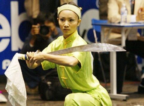 Thúy Hiền trên thảm đấu Wushu.
