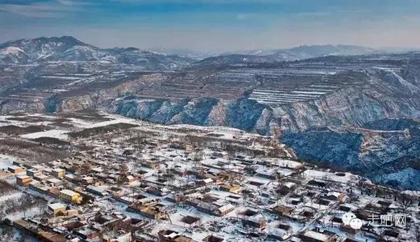 Những ngôi làng dưới lòng đất chỉ có ở Trung Quốc.