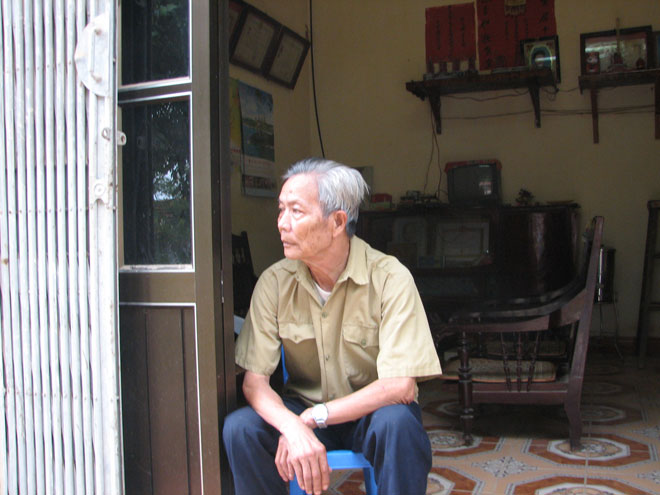 Ông Triệu Tiến Thành - cha liệt sĩ Triệu Văn Phong, người anh hùng đầu tiên ngã xuống trong cuộc chiến lập lại bình yên cho xứ Lạng.