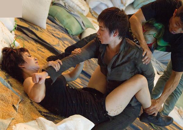 Thúy Hiền và Thúy Vinh trong phim mới.