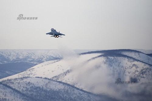 Một biên đội bốn chiếc MiG-31 có thể kiểm soát không phận có chiều rộng 800 – 900km.