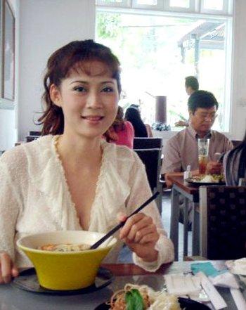 Diễm Hương trong lần hiếm hoi trở về Việt Nam vào năm 2007