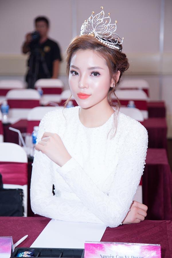 Khoảnh khắc lộng lẫy, xinh đẹp của Kỳ Duyên trong lần xuất hiện mới nhất (ảnh: Huy Nguyễn).