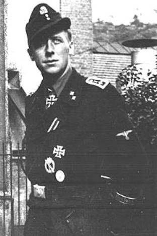 Chỉ huy Oberscharführer Ernst Barkmann