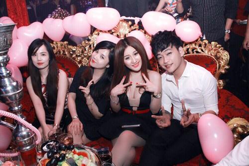 Hình ảnh chụp trong bữa tiệc sinh nhật của Ivy tổ chức năm 2014