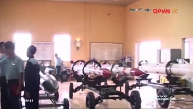 Bộ ba tên lửa uy lực nhất của tiêm kích đa năng Su-30MK2 Việt Nam (từ trái qua): Kh-31A, RVV-AE, Kh-29. Ảnh: Truyền hình QPVN.