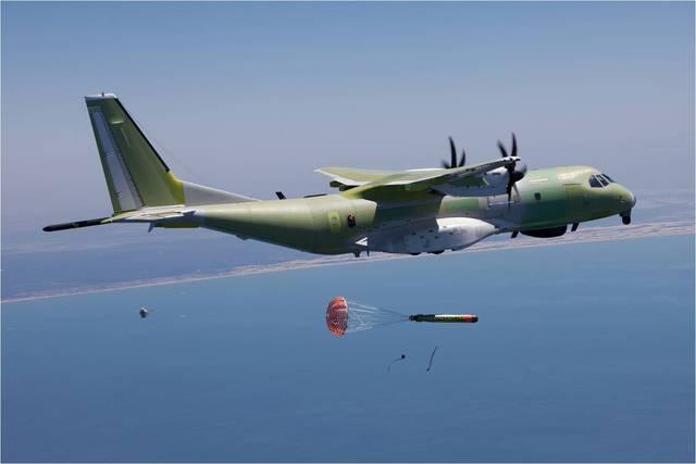 C-295MPA phóng ngư lôi.