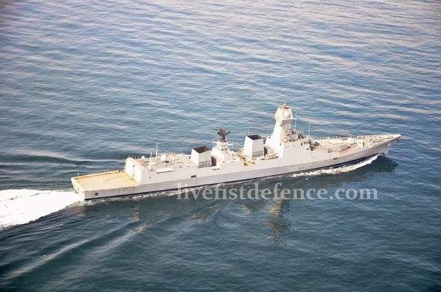 Tàu lớp Kolkata được thiết kế với khả năng tấn công, phòng thủ toàn diện. Vũ khí trang bị trên tàu có pháo hạm 130mm, 16 ống phóng thẳng đứng cho tên lửa chống hạm Brahmos với tầm bắn tối đa 300km. Ngoài ra, đây là lớp tàu đầu tiên của Ấn Độ trang bị các radar mạng pha lắp vào thượng tầng EL/M-2248 MF STAR do Israel sản xuất, tương tự radar AN/SPY-1 trang bị trên các tàu Aegis của Mỹ.