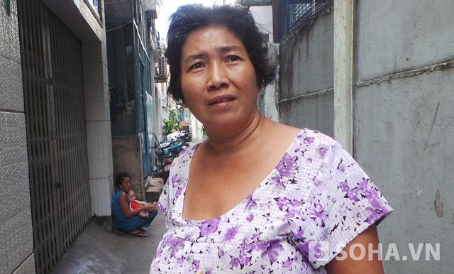 Chị Huỳnh Thị Thanh Trang con gái bà Thơ cho biết, các con cũng bảo mẹ có tuổi rồi ở nhà nghỉ ngơi nhưng mẹ không chịu và nói ở nhà buồn còn sinh bệnh tật nên vẫn đi bán.