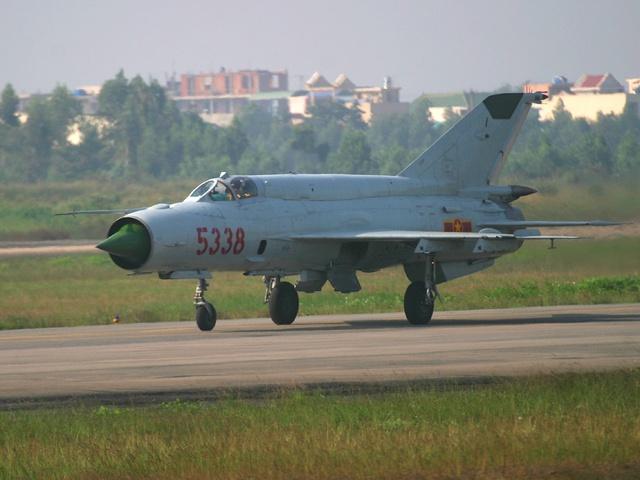 Máy bay tiêm kích MiG-21 bis SAU của Không quân Việt Nam