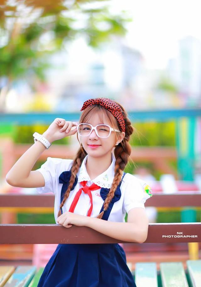 Cô gái có gương mặt đáng yêu như trẻ thơ này có tên là Nguyễn Hồ Thanh Nhã (SN 1994) hiện đang học tại ĐH Nguyễn Tất Thành, TP. Hồ Chí Minh.