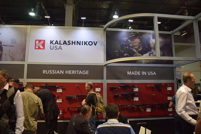 Gian hàng Kalashnikov USA tại triển lãm SHOT 2015. Các sản phẩm trưng bày vẫn là hàng sản xuất tại Nga. Tuy nhiên, RWC hy vọng có thể sớm sản xuất súng AK-47 ngay tại Mỹ trong năm 2015.