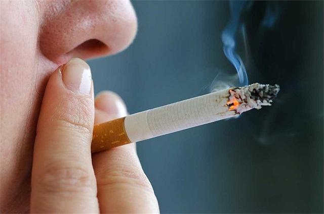 Khói thuốc lá - nguyên nhân gây ung thư hàng đầu.