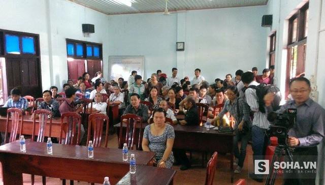 Hội trường buổi xin lỗi ông Huỳnh Văn Nén