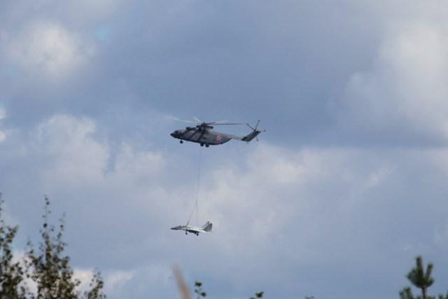 Mi-26 dễ dàng cẩu treo 1 chiếc máy bay tiêm kích như MiG-29