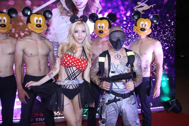 DJ xinh đẹp nhất Hàn Quốc khoe eo con kiến trong đêm diễn