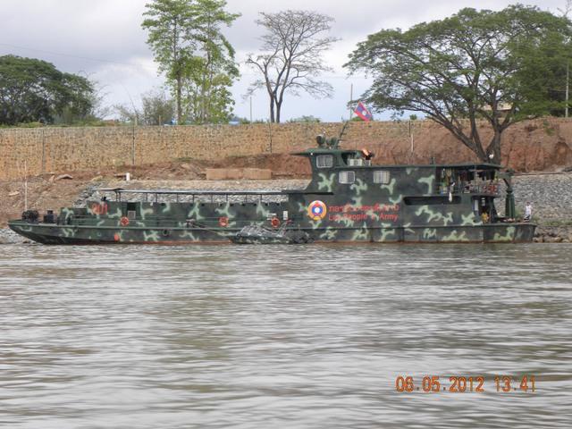 Một tàu tuần tra đường sông của Hải quân nhân dân Lào