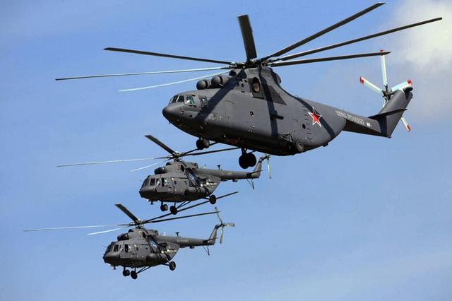 """Trực thăng vận tải Mi-26 và """"người đàn em"""" Mi-8"""