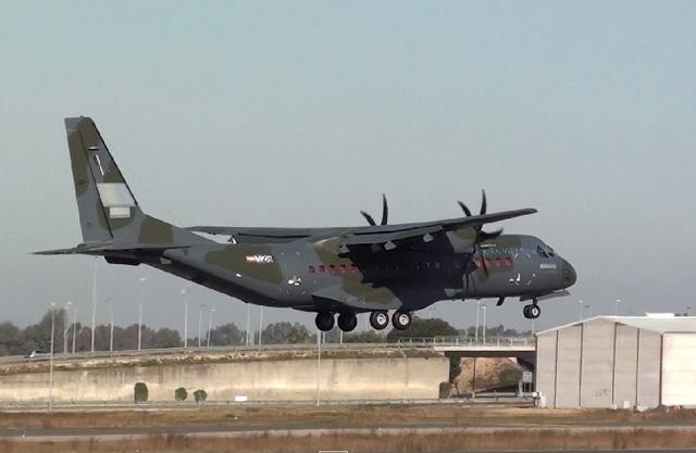 Tổng giá trị của hợp đồng trên vào khoảng 100 triệu USD, trong đó bao gồm cả việc cung cấp phụ tùng, bảo dưỡng và huấn luyện cho lực lượng Không quân Việt Nam.