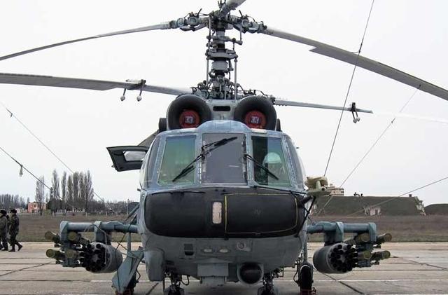 Hai cánh nhỏ trực thăng tấn công Ka-29 cho phép mang tối đa 8 tên lửa chống tăng có điều khiển 9M114 (NATO định danh là AT-6 Spiral) đạt tầm bắn 400-5.000m và các ống phóng rocket cỡ 57mm.