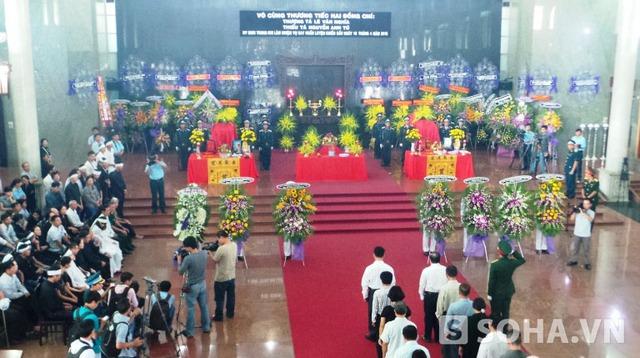Lễ viếng, truy điệu của hai phi công là Thượng tá Lê Văn Nghĩa (nguyên Phó Trung đoàn trưởng Trung đoàn Không quân 937) và Thiếu tá Nguyễn Anh Tú (nguyên Phi đội phó Phi đội 1, Trung đoàn Không quân 937)