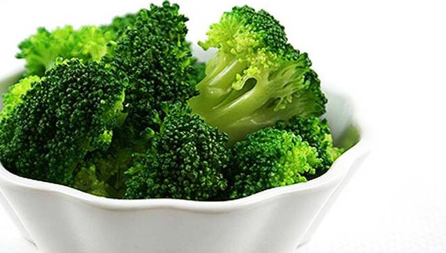 Bông cải xanh rất giàu canxi, magiê, kẽm và phốt pho. Vì vậy mà chúng giúp xương chắc khỏe.