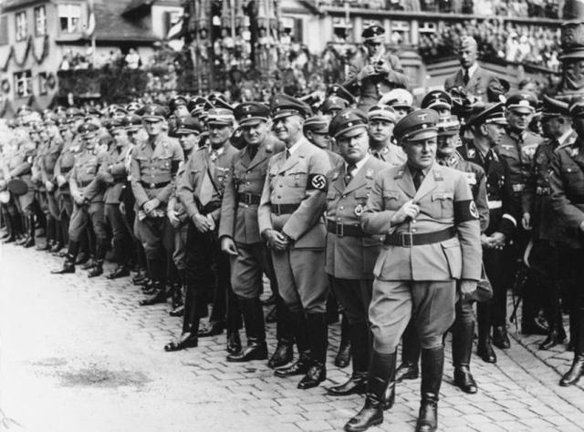 Gestapo - Những con quỷ khát máu đội lốt trí thức
