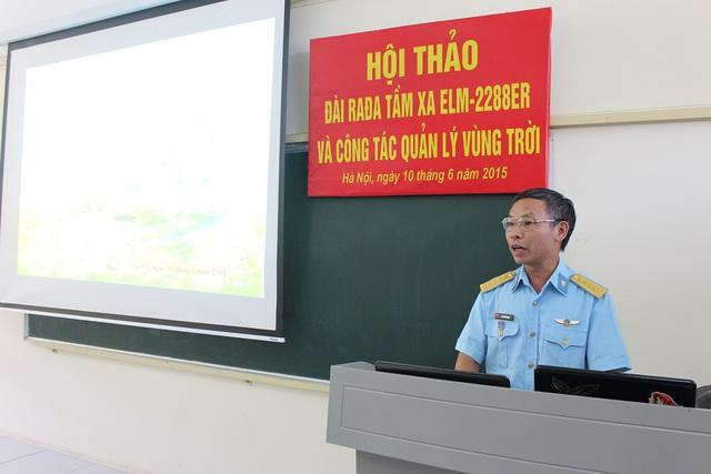 Đại tá Hà Tiến Chích, Trưởng khoa Radar - Học viện PK-KQ khai mạc và chủ trì Hội thảo. Ảnh: Học viện PK-KQ.