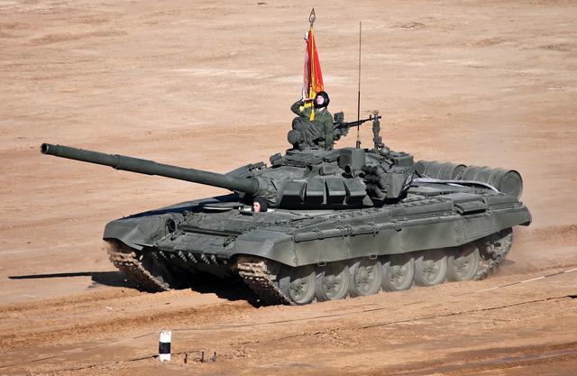 Xe tăng chiến đấu chủ lực T-72B3 của Nga tham dự cuộc thi đấu tăng Tank Batalion 2013.