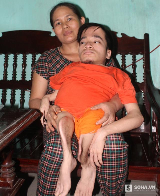 Dù khó khăn đến mấy mẹ con tôi vẫn đòi công lý lại cho mình, chị Lâm nói.