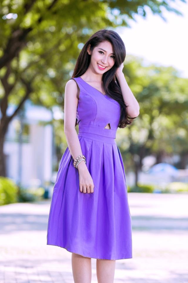 Tham gia showbiz gần chục năm nhưng Khổng Tú Quỳnh vẫn giữ phong cách như ngày đầu tấn công làng giải trí Việt.