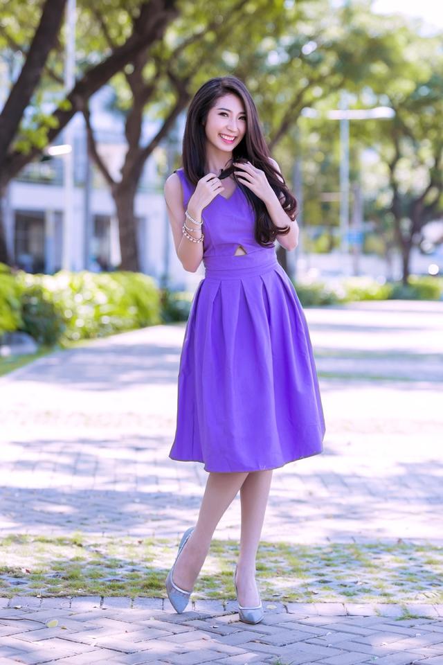 Mái tóc dài thướt tha giúp Khổng Tú Quỳnh duyên dáng và nữ tính hơn trong mắt bạn trai.