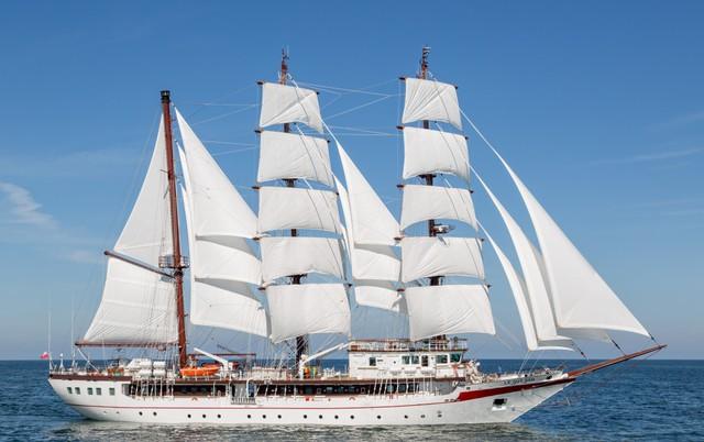Một Số Hình Ảnh Khác Của Tàu Buồm Huấn Luyện Lê Quý Đôn: