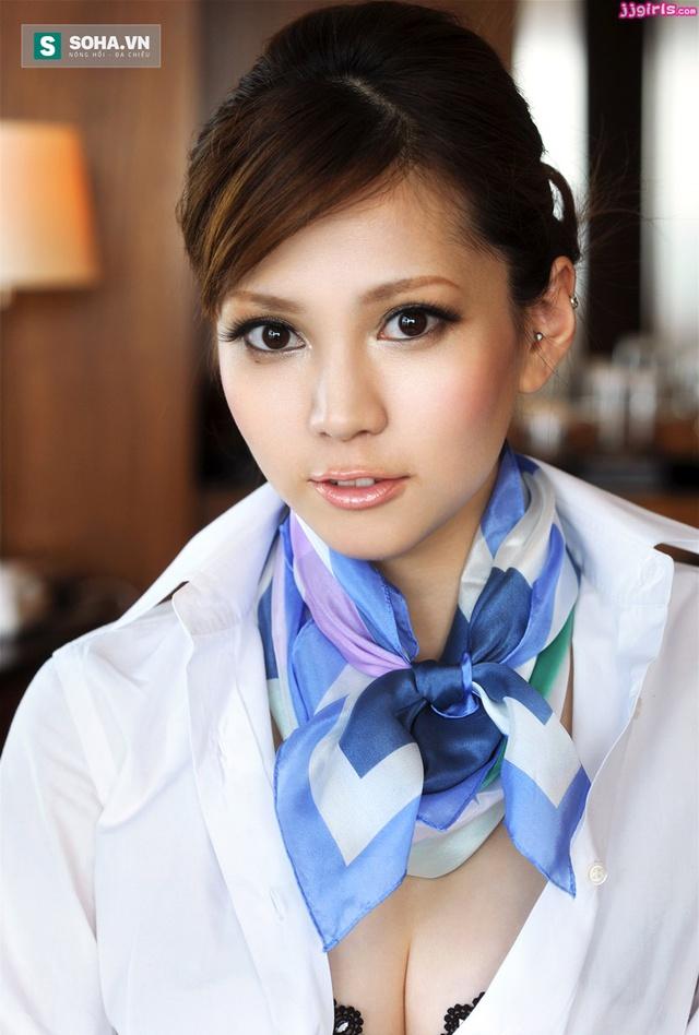 """Ameri Ichinose được mệnh danh là ngôi sao kế nghiệp xứng đáng nhất của  Maria Ozawa sau khi """"thánh nữ"""" giải nghệ."""
