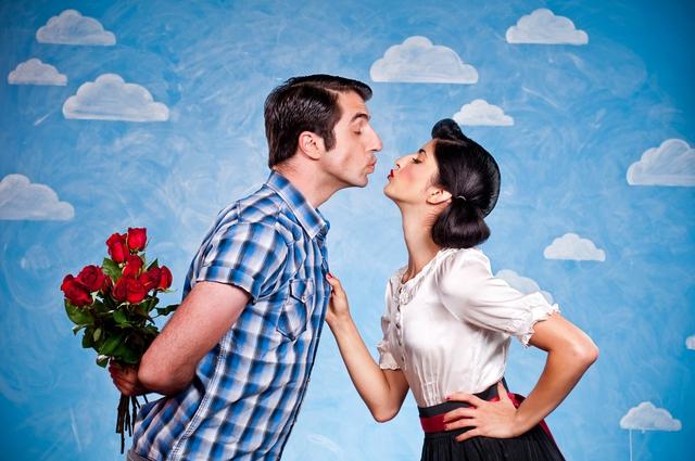 14/2 là ngày phụ nữ phải tặng quà cho đàn ông mới đúng. Ảnh: Internet
