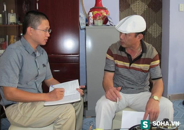 Đại tá Nguyễn Trường Tam luôn xuất hiện với chiếc mũ trắng trên đầu.