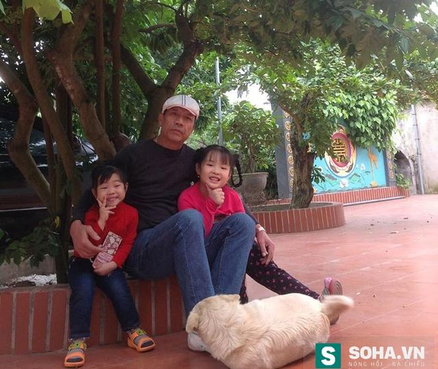 Chỉ khi nghỉ hưu, đại tá Nguyễn Tường Tam mới có thời gian vui vầy cùng con cháu.