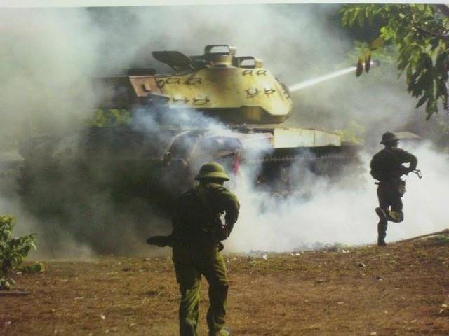 Xe tăng M41 trong một cuộc diễn tập binh chủng hợp thành