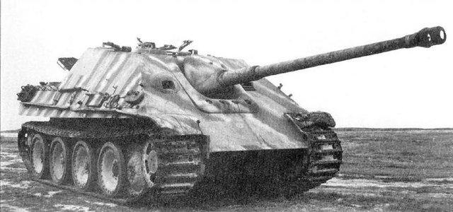 Panzerjäger V Jagdpanther Sd Kfz 173, sử dụng khung gầm xe tăng Panther và pháo 8,8 cm PaK 43