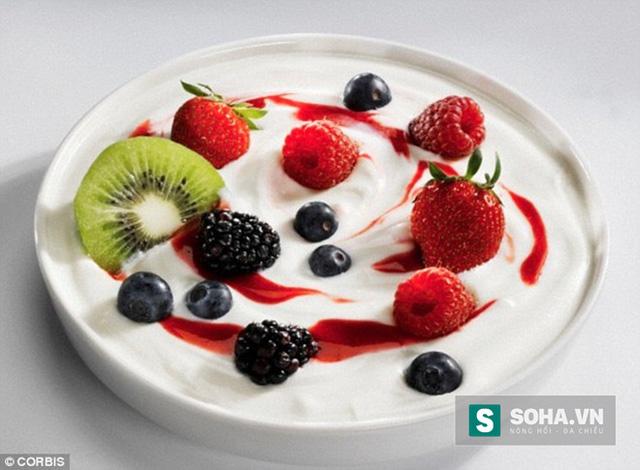 Ăn trái cây cùng sữa chua 5 lần/tuần giảm nguy cơ mắc cao huyết áp tới 31% ở phụ nữ.