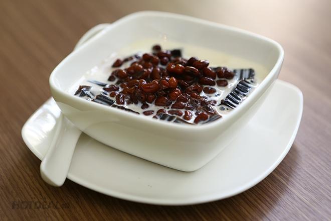 Có thể chế biến nhiều món ăn từ đỗ đen, giúp tăng khẩu vị và bổ sung dưỡng chất (Ảnh minh họa)