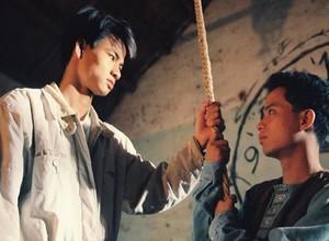 """Dàn diễn viên 12A và 4H sau 23 năm: Bộ tứ 4H từ bỏ nghiệp diễn, """"thầy Minh"""" trở thành người cha mẫu mực với câu chuyện gia đình cảm động - ảnh 1"""