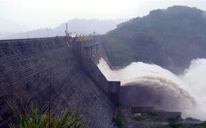 Bí mật lá thư 'chôn' trong khối bê tông 10 tấn gửi hậu thế ở Thủy điện Hòa Bình - ảnh 4