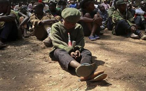 Cùng đường đi nhận viện trợ, 125 phụ nữ và trẻ em gái bị cưỡng hiếp