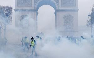 Biểu tình biến thành bạo loạn tại Hy Lạp, hàng chục người bị bắt